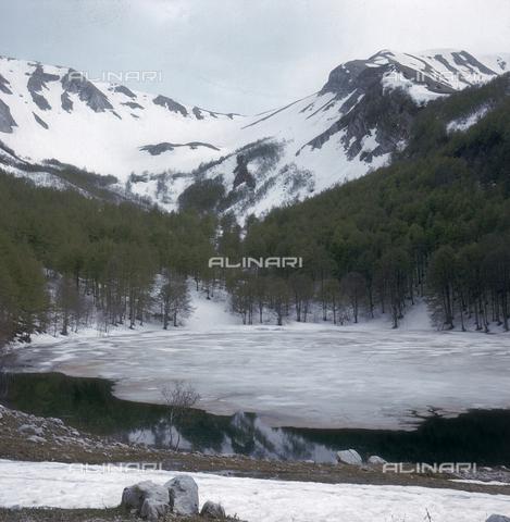 ZCA-S-000090-0019 - Il lago Remmo con la neve - Data dello scatto: 1970 ca. - Archivi Alinari-archivio Zannier, Firenze