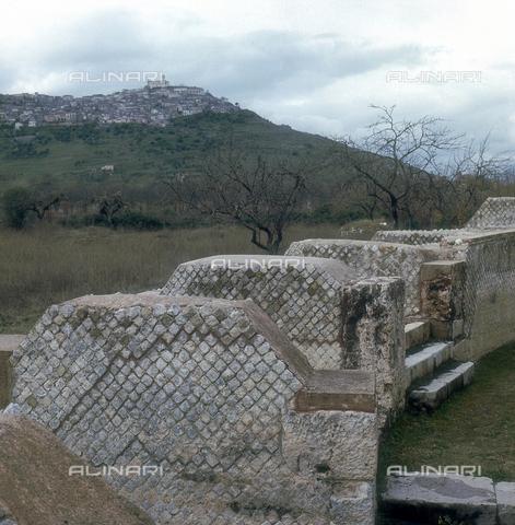 ZCA-S-000090-0066 - Resti dell'antica città romana di Grumentum in Basilicata - Data dello scatto: 1970 ca. - Archivi Alinari-archivio Zannier, Firenze