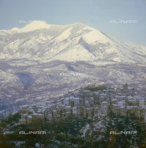 ZCA-S-000090-0069 - Paesaggio lucano con la neve - Data dello scatto: 1970 ca. - Archivi Alinari-archivio Zannier, Firenze