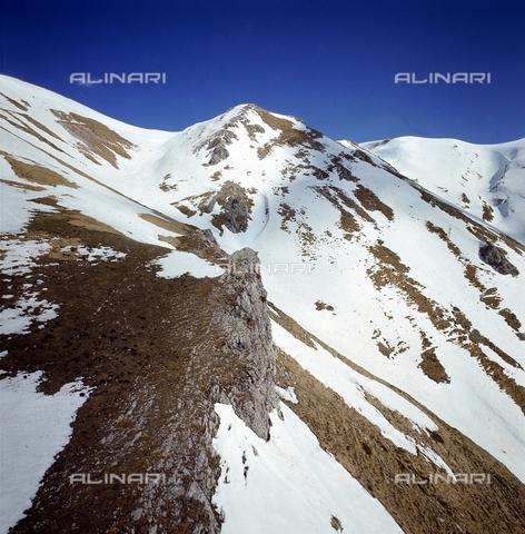 ZCA-S-000187-0017 - Montagne a ridosso delle Cinque Terre con la neve - Data dello scatto: 1971 - Archivi Alinari-archivio Zannier, Firenze