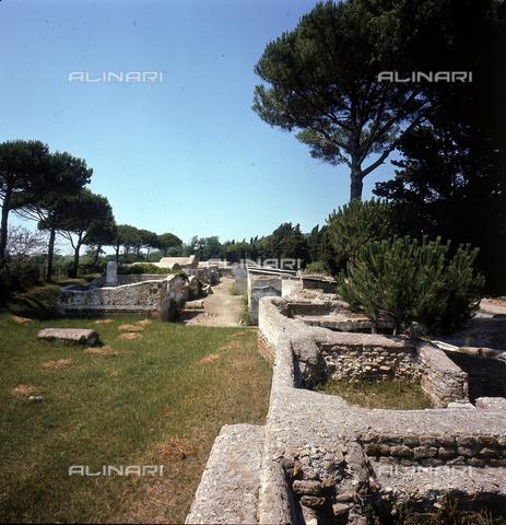 ZCA-S-000213-0004 - Scavi archeologici di Ostia Antica - Data dello scatto: 1971 - Archivi Alinari-archivio Zannier, Firenze
