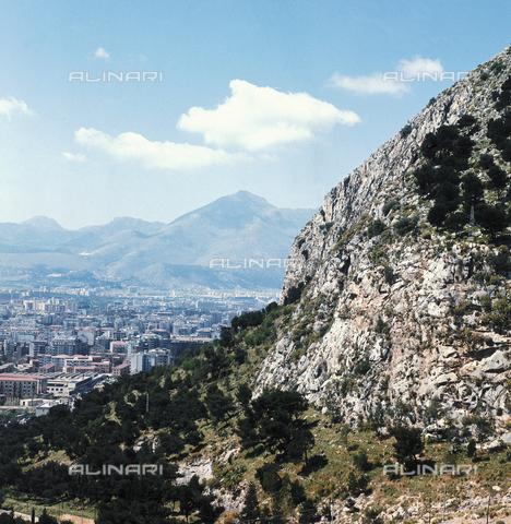 ZCA-S-000375-0075 - Veduta di Palermo - Data dello scatto: 1970 ca. - Archivi Alinari-archivio Zannier, Firenze