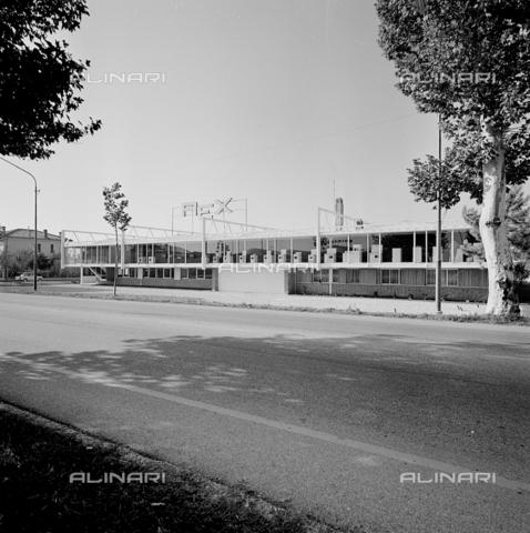 ZIA-S-210300-0004 - Stabilimento per la produzione di elettrodomestici Rex, Pordenone - Data dello scatto: 10/1962 - Raccolte Museali Fratelli Alinari (RMFA)-archivio Zannier, Firenze