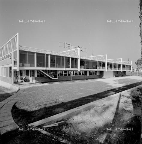 ZIA-S-210300-0005 - Stabilimento per la produzione di elettrodomestici Rex, Pordenone - Data dello scatto: 10/1962 - Raccolte Museali Fratelli Alinari (RMFA)-archivio Zannier, Firenze