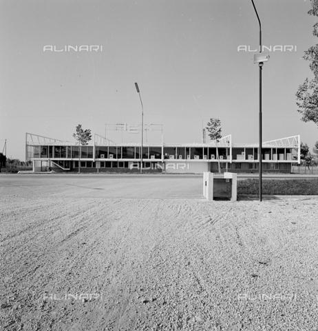 ZIA-S-210300-0009 - Stabilimento per la vendita di elettrodomestici Rex, Udine - Data dello scatto: 10/1959 - Raccolte Museali Fratelli Alinari (RMFA)-archivio Zannier, Firenze