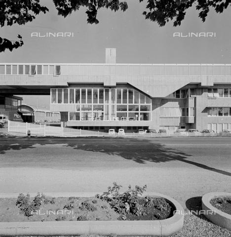 ZIA-S-210300-0010 - Stabilimento per la vendita di elettrodomestici Rex, Pordenone - Data dello scatto: 10/1959 - Raccolte Museali Fratelli Alinari (RMFA)-archivio Zannier, Firenze