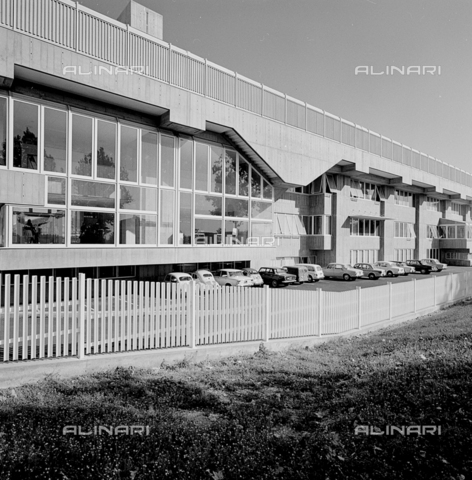ZIA-S-210300-0023 - Stabilimento per la vendita di elettrodomestici Rex, Pordenone - Data dello scatto: 10/1962 - Raccolte Museali Fratelli Alinari (RMFA)-archivio Zannier, Firenze