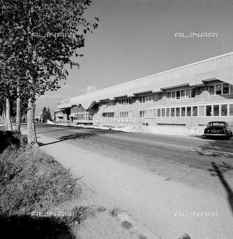 ZIA-S-210300-0027 - Stabilimento per la vendita di elettrodomestici Rex, Pordenone - Data dello scatto: 10/1962 - Raccolte Museali Fratelli Alinari (RMFA)-archivio Zannier, Firenze