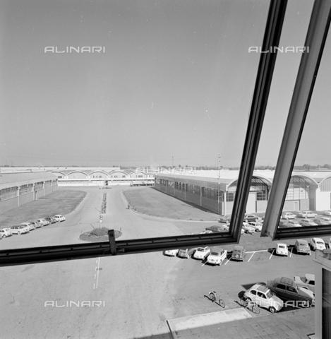 ZIA-S-210300-0032 - Stabilimento per la vendita di elettrodomestici Rex, Pordenone - Data dello scatto: 10/1962 - Raccolte Museali Fratelli Alinari (RMFA)-archivio Zannier, Firenze
