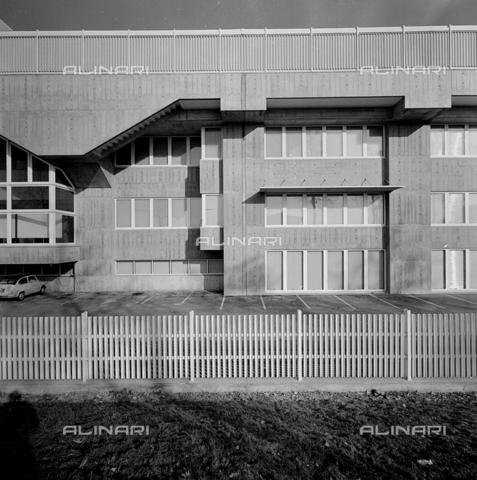 ZIA-S-210300-0038 - Stabilimento per la vendita di elettrodomestici Rex, Pordenone - Data dello scatto: 10/1962 - Raccolte Museali Fratelli Alinari (RMFA)-archivio Zannier, Firenze