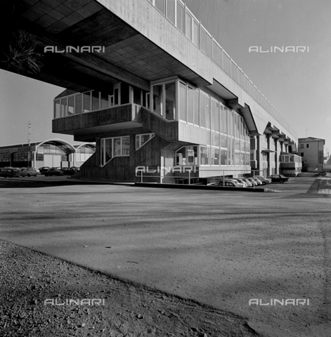 ZIA-S-210300-0040 - Stabilimento per la vendita di elettrodomestici Rex, Pordenone - Data dello scatto: 10/1962 - Raccolte Museali Fratelli Alinari (RMFA)-archivio Zannier, Firenze