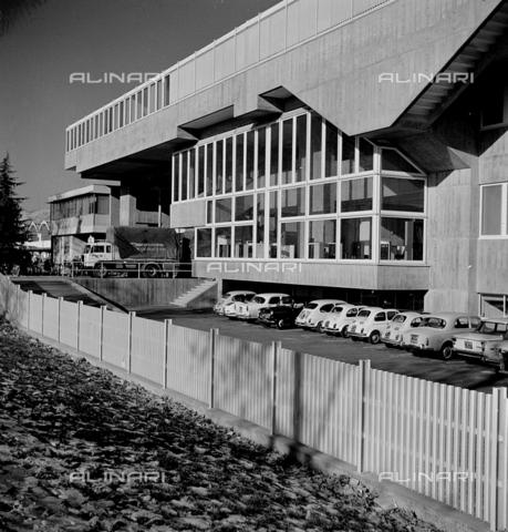 ZIA-S-210300-0042 - Stabilimento per la vendita di elettrodomestici Rex, Pordenone - Data dello scatto: 10/1962 - Raccolte Museali Fratelli Alinari (RMFA)-archivio Zannier, Firenze