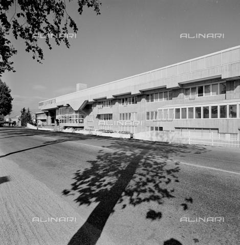 ZIA-S-210300-0043 - Stabilimento per la vendita di elettrodomestici Rex, Pordenone - Data dello scatto: 10/1962 - Raccolte Museali Fratelli Alinari (RMFA)-archivio Zannier, Firenze