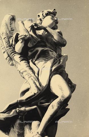 fvq-f-169967-0000 - Angelo con cartiglio collocato sul ponte Sant'Angelo a Roma. L'opera è dovuta a Giulio Cartari ed è una copia contemporanea di un originale di Bernini - Data dello scatto: 1935 - Archivi Alinari, Firenze