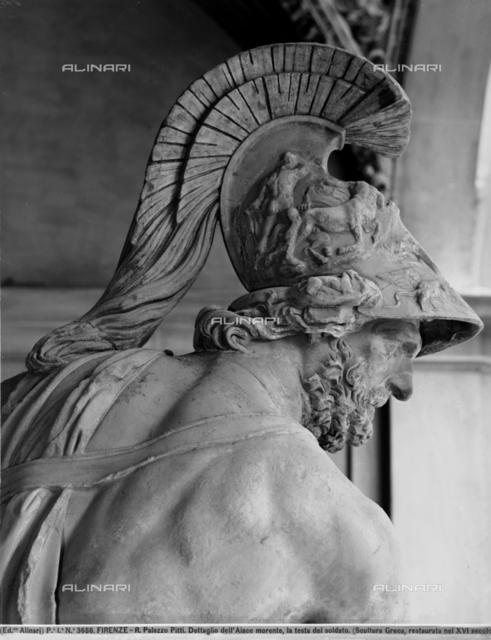 Menelaus holding the body of Patroclus, detail, Loggia dei Lanzi, Florence