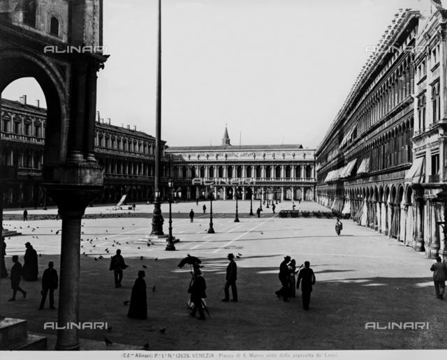 Venice. Piazza S. Marco seen from the piazzetta de' Leoni