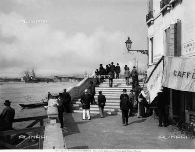Riva degli Schiavoni a Ponte della Veneta Marina