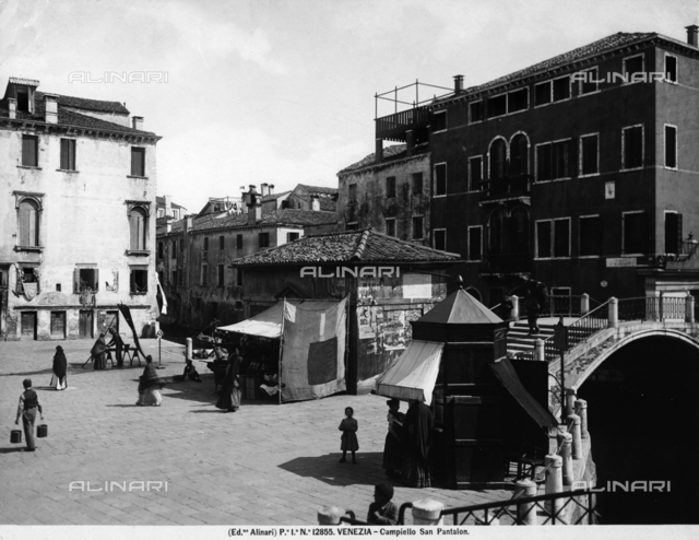 People strolling in the Campiello San Pantalon, in Venice
