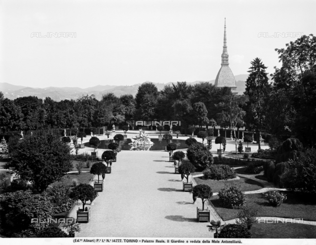 Gardens of Royal Palace and view of Mole Antonelliana at Turin
