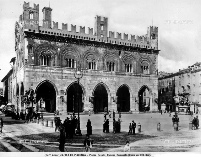 Palazzo Gotico or Palazzo Pubblico, Piacenza