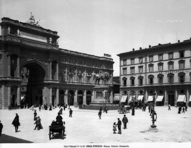 The Fondiaria Assicurazioni building, Piazza della Repubblica, Florence
