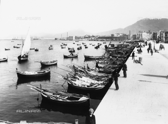 The port of Palermo: the Via Crispi landing dock