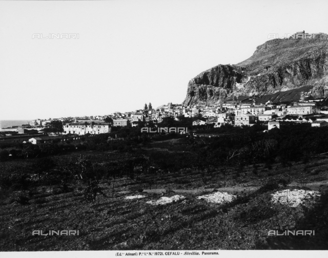 Panoramic view of the city of Cefalù
