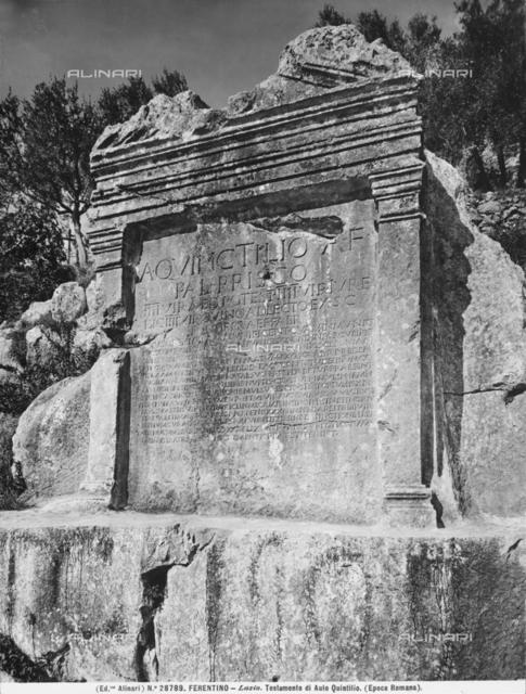 Lapide su cui è scolpito il testamento di Aulo Quintilio, a Ferentino
