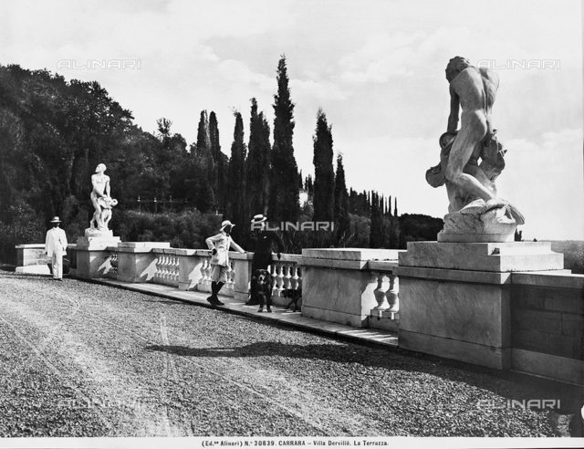 Carrara. Villa Dervillé. The terrace