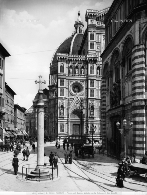 View of the Piazza del Duomo in Florence