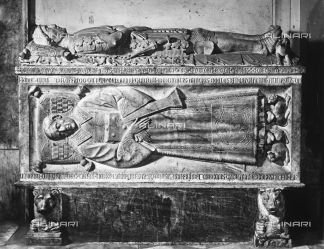 Monumento funebre di Loffredo nella Cappella del Sacramento del Duomo di Napoli