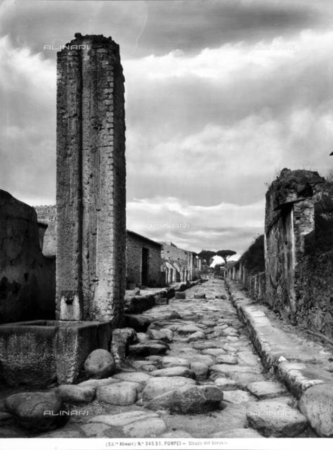 Via Vesuvio in Pompeii
