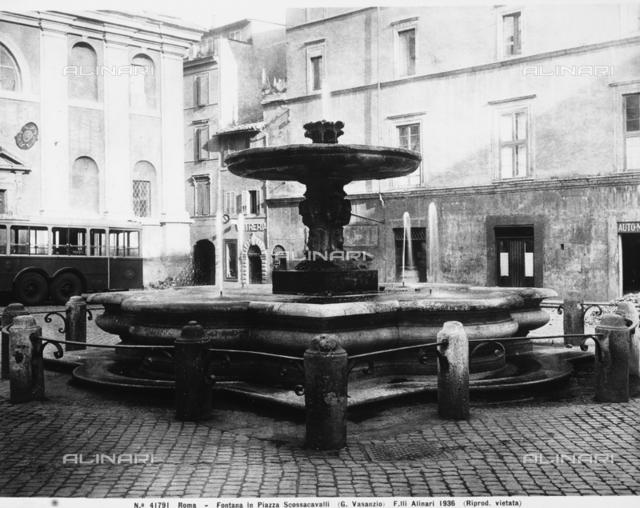 Fountain, Piazza Scossacavalli, Rome