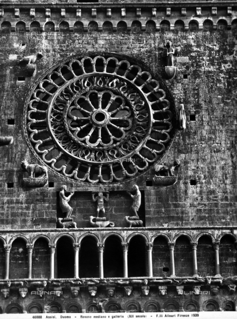Middle rose window, Cathedral of San Rufino, Assisi