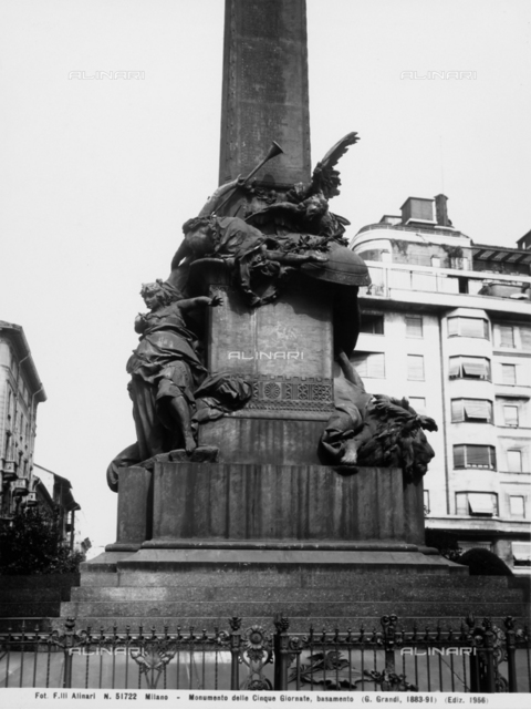 Lower detail of the Monument to the Cinque Giornate di Milano (Five Days of Milan) by Giuseppe Grandi.