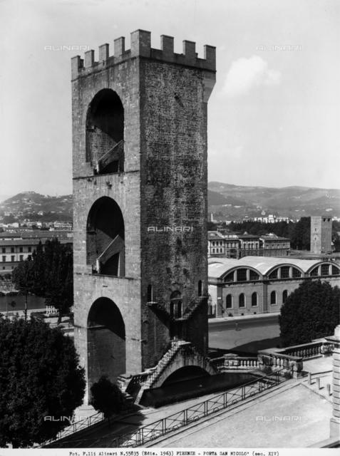 The Porta San Niccolò, in Piazza Giuseppe Poggia, Florence
