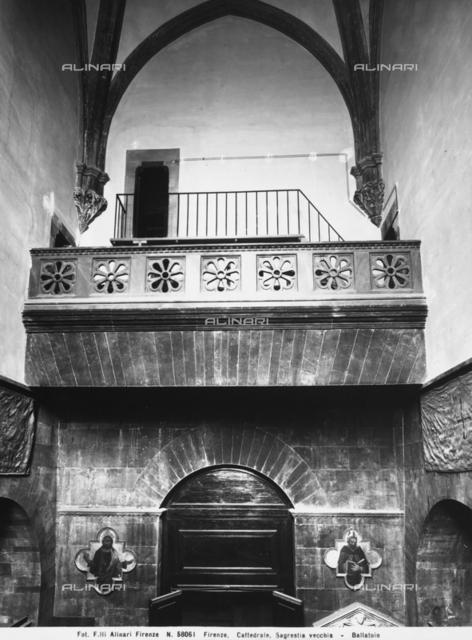 Gallery, Sagrestia Vecchia or Sagrestia dei Cononici, Cathedral, Florence, Tuscany