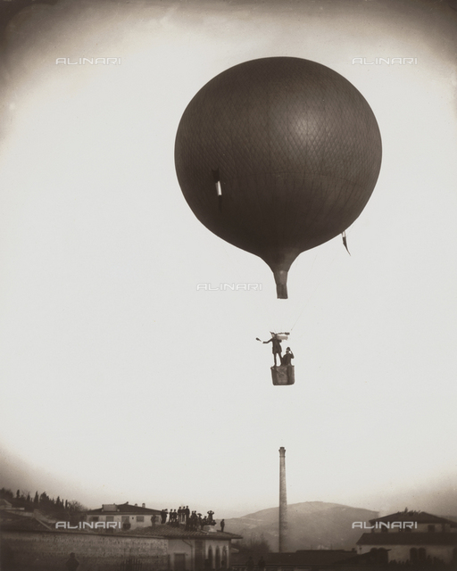 Ascent of the aerostat by M. Jules in Florence in 1884