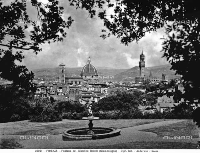 Panoramic view of Florence from the Boboli Garden. A fountain attributed to Giambologna can be seen in the foreground