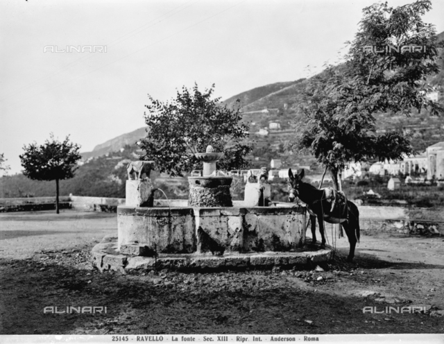 Moorish fountain - Piazza Fontana, Ravello