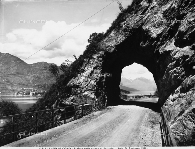 A natural tunnel on the road to Bellagio on Lake Como