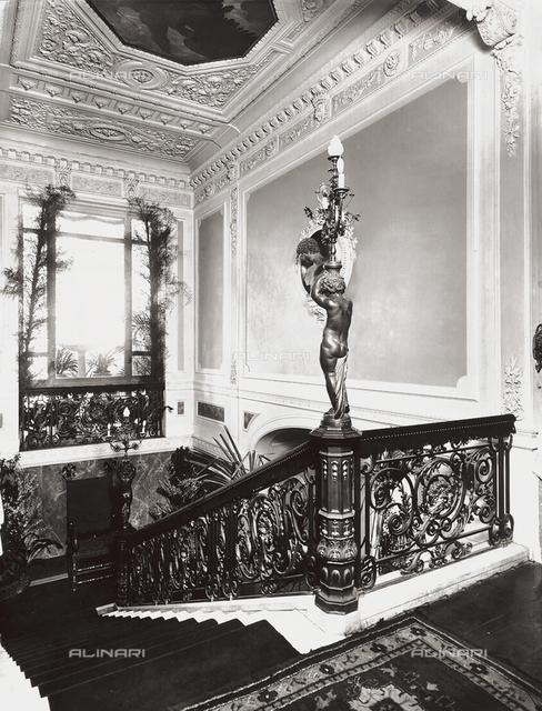 Casa Spalding in Florence: the main staircase