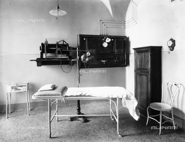 View of the phototherapy ambulatory of the Pellizzari Institute of Florence.