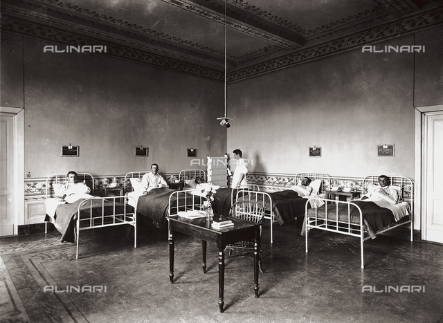 Hospital, former Villa Pisa in Fiesole: patients ward