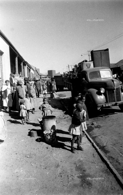 SAED: SOCIAL: APARTHEID: 1955 - Sophiatown Removals - (Photograph by Drum Photographer BAHA) neg 926
