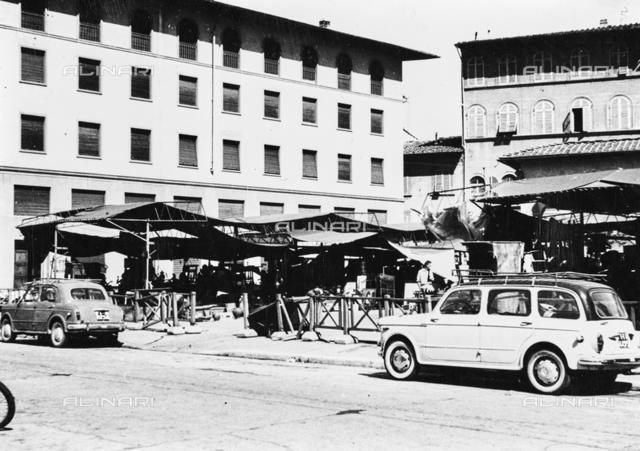 Antiques market in Piazza dei Ciompi via Pietrapiana-Florence