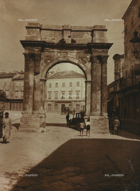 Sergius Triumphal Arch (Porta Aurea), Pula, Croatia