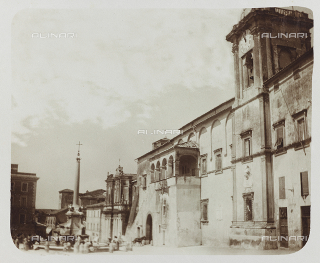 Animated view of Piazza Matteotti, formerly Piazza del Comune, in Tarquinia; postcard