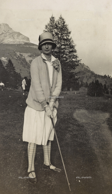 Golfer at Lake Carezza