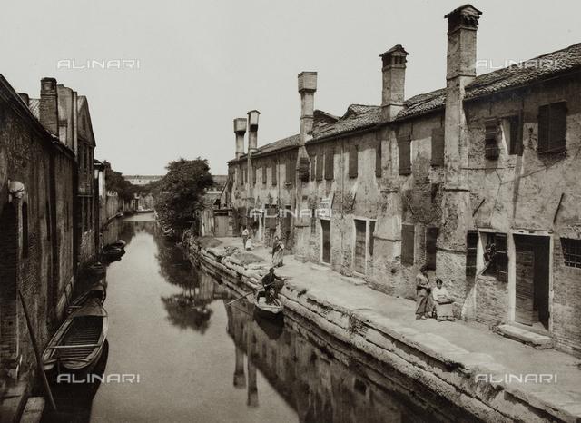 """""""Calli, Canali e Isole della Laguna"""", edition by Ferdinando Ongania, animated view of the Rio del Battello in San Girolamo, Venice"""